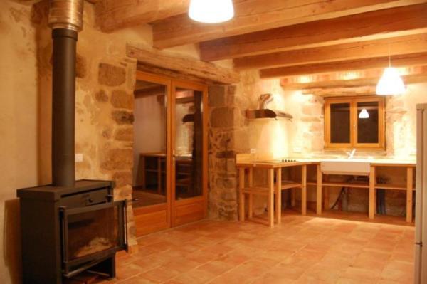 890-sq-ft-cottage-in-france-013