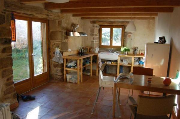 890-sq-ft-cottage-in-france-015