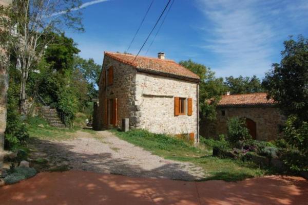 890-sq-ft-cottage-in-france-021