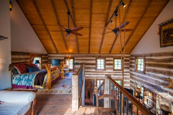 896-sq-ft-poolside-timber-cabin-by-heritage-barns-007