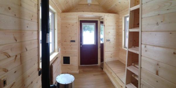 8x22 Tiny Cabin on Wheels 005