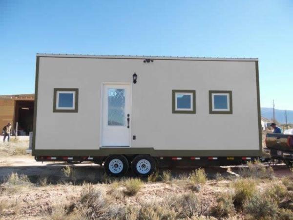 8x24-sing-core-tiny-house-001