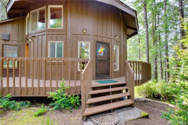900 Sq Ft Round Cabin in Tahuya WA 001
