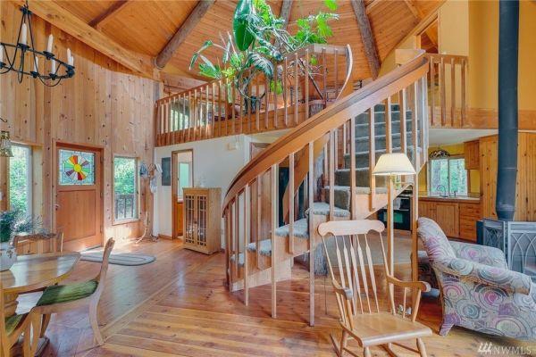 900 Sq. Ft. Round Cabin on 1.25 Acres in Tahuya