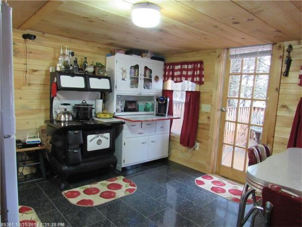 90k-tiny-cabin-on-23-acres-for-sale-006