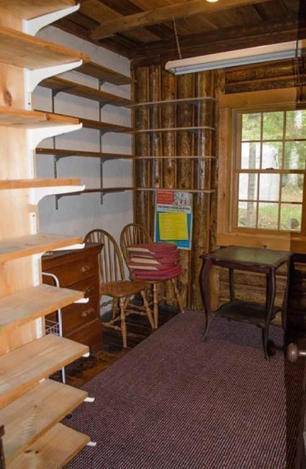 90k-tiny-log-cabin-built-in-1934-via-estately-0011