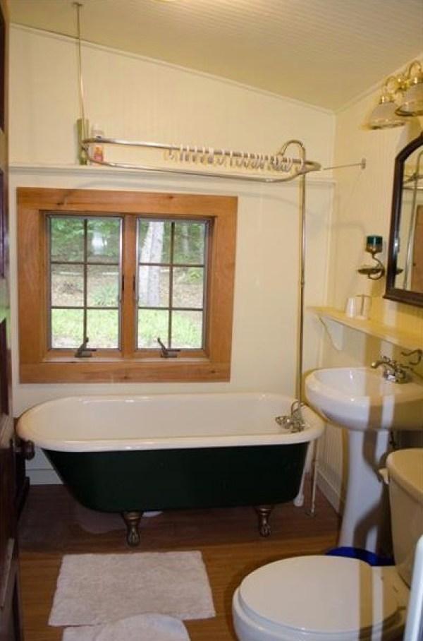 90k-tiny-log-cabin-built-in-1934-via-estately-007