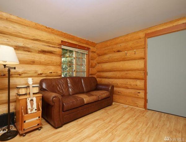 960 Sq Ft Log Cabin in Washington State