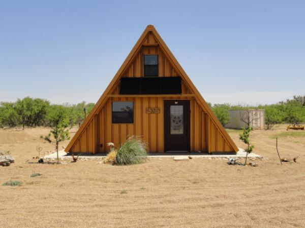 a-frame-tech-tiny-house-004