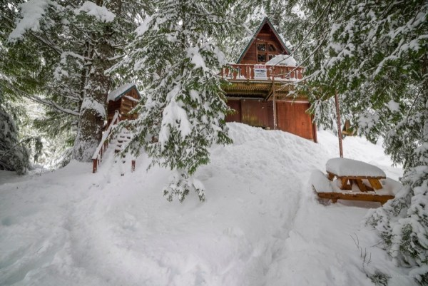 A-frame Cabin For Sale in Skykomish, WA 004