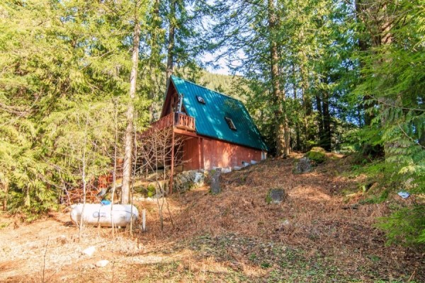 A-frame Cabin For Sale in Skykomish, WA 006