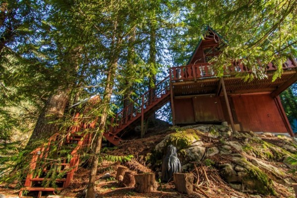 A-frame Cabin For Sale in Skykomish, WA 009