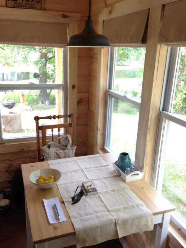 amish-built-tiny-cottage-007