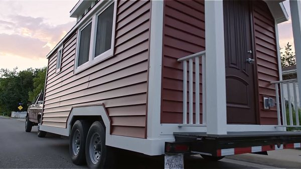 An Energy-Efficient Tiny House on Wheels by Zack Giffin 005