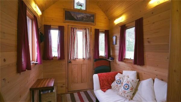 Arts SIP Tiny House on Wheels 002