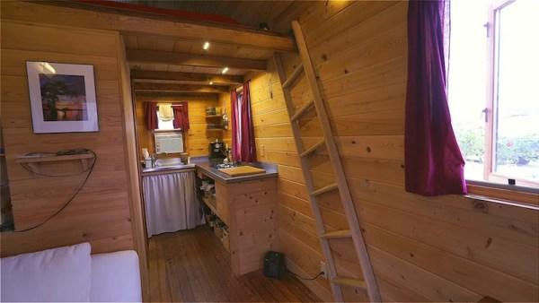 Arts SIP Tiny House on Wheels 003