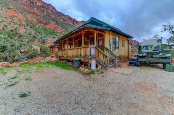 Artsy Tiny Cabin with Amazing Views in Utah For Sale 0022