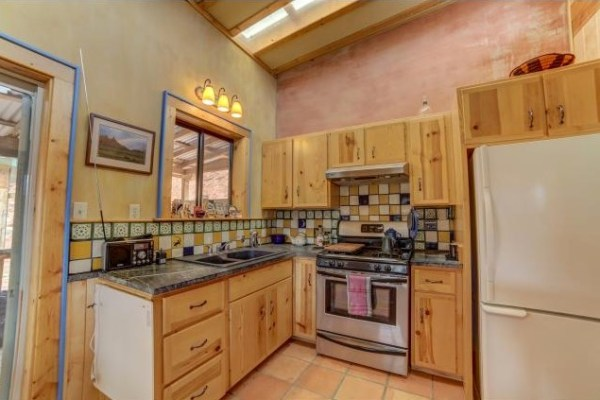 Artsy Tiny Cabin with Amazing Views in Utah For Sale 005