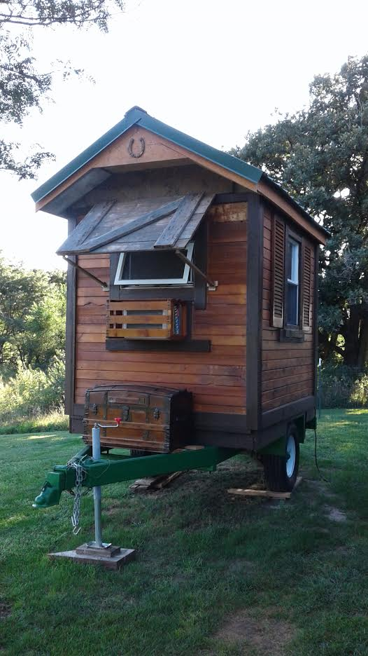 awesome-hand-built-micro-house-in-iowa-002