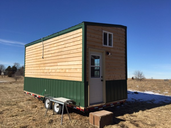 bachelors-off-grid-tiny-house-in-nebraska-for-sale-005