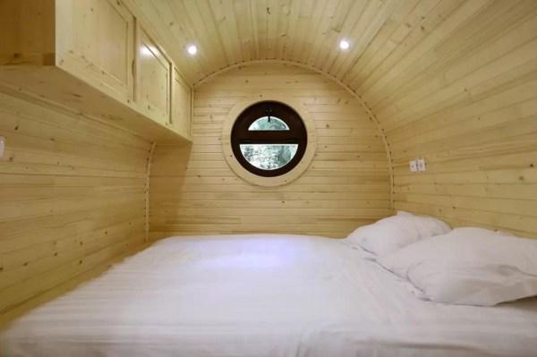 Barrel Tiny House Vacation near Paris 006