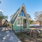 Beautiful Tiny A-frame Cottage in Lampe, MO 001
