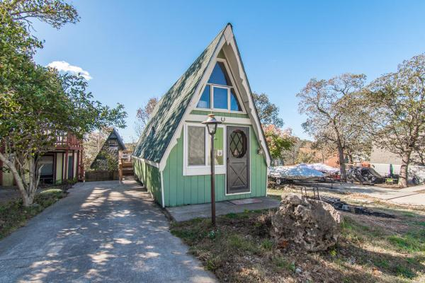 Beautiful Tiny A-frame Cottage in Lampe, MO