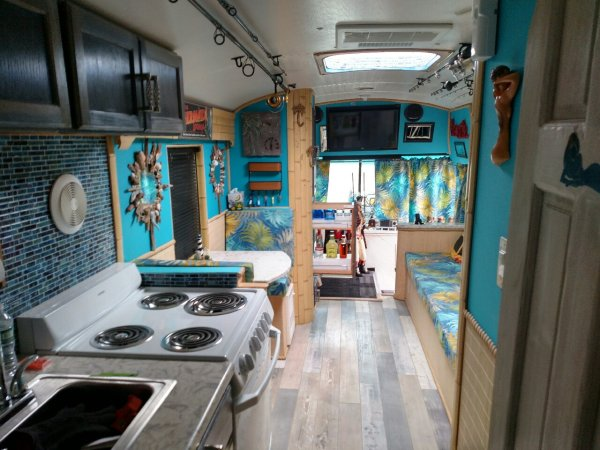 Bills Bus Living and Kitchen