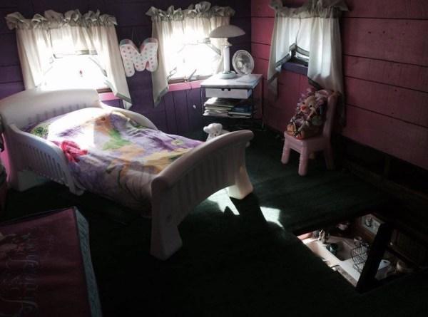 Bob's Caboose Tiny House 004