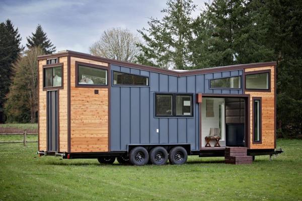 Breezeway Tiny House on Wheels by Tiny Heirloom 001