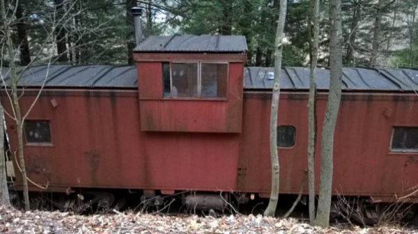 Caboose Cabin in Upstate New York 003