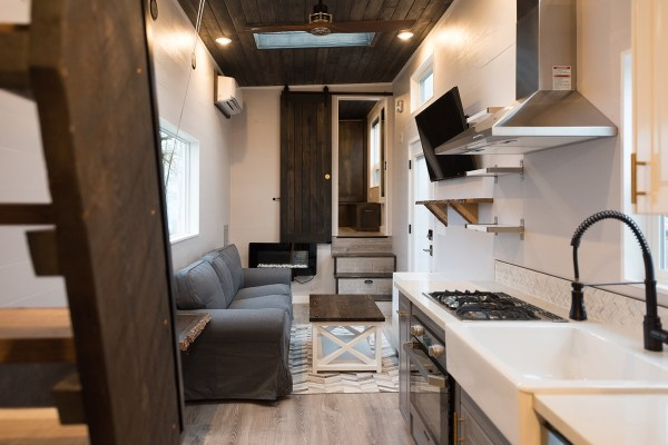 Cayman Tiny House by Tiny Innovations 009