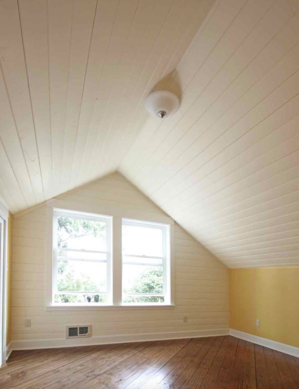 Family of Four's Beautiful 1100 Sq. Ft. Small Cottage