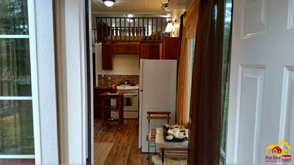 country-pint-sized-tiny-home-002