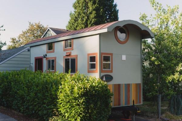 Couple's $25k DIY Smouse Tiny House on Wheels 001