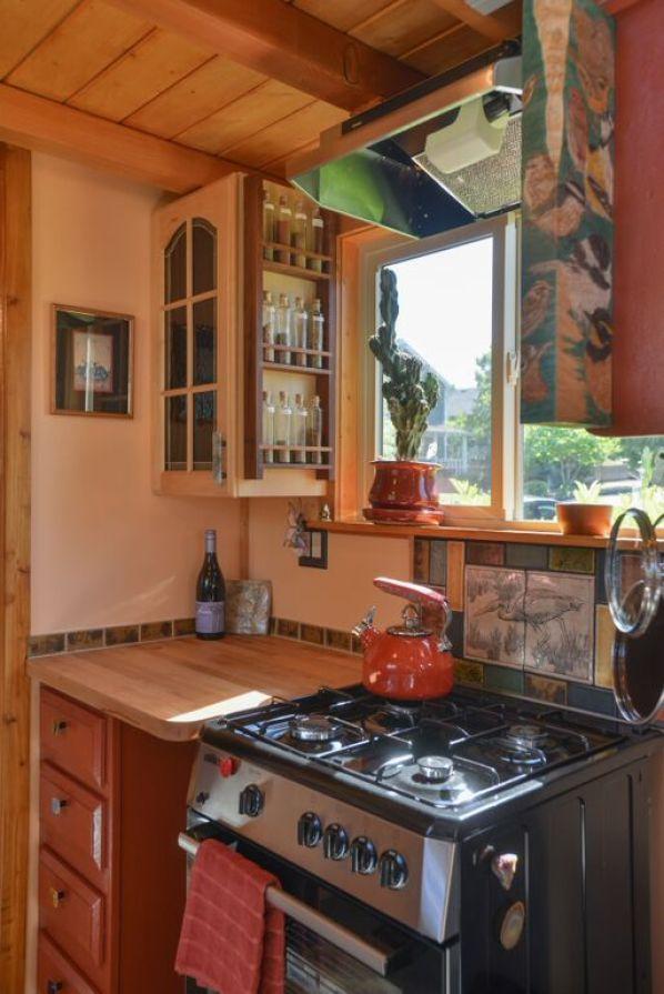 Couple's $25k DIY Smouse Tiny House on Wheels 004