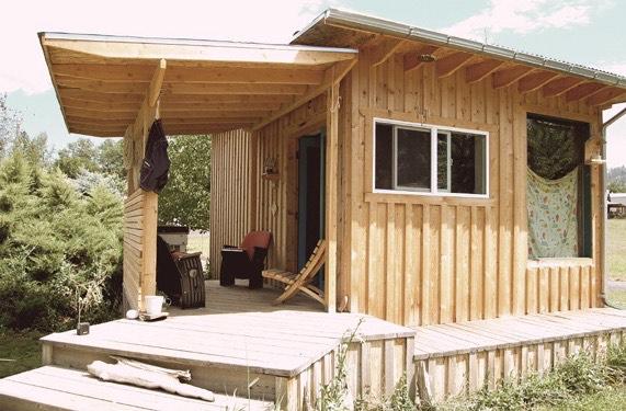 Couples Tiny Cabin 0015