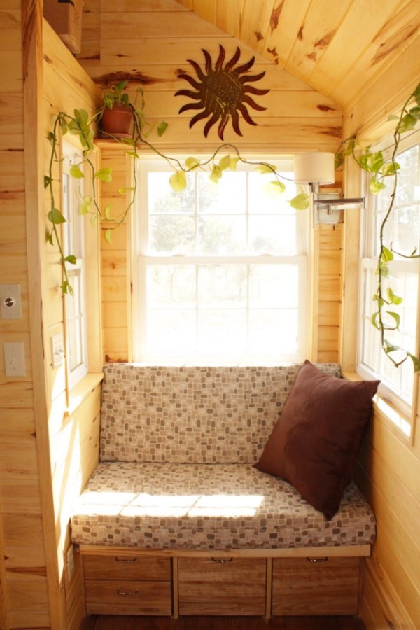 Couples Off Grid Tiny House on Wheels 003