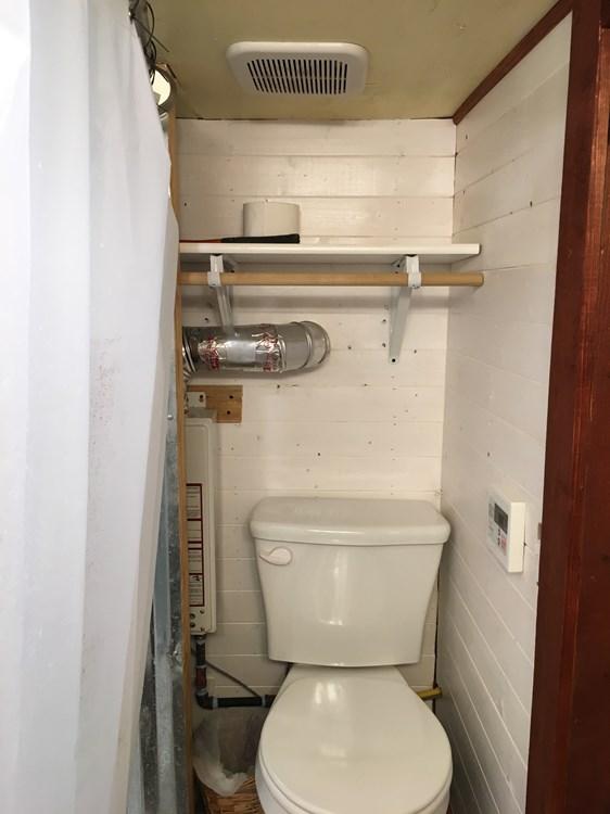 Custom 24ft Tiny Home with Oversized Loft 007e