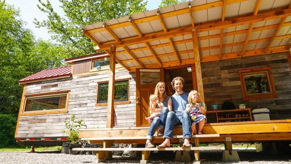 Debt Free tiny house fimily of 4 – Exploring Alternatives 1