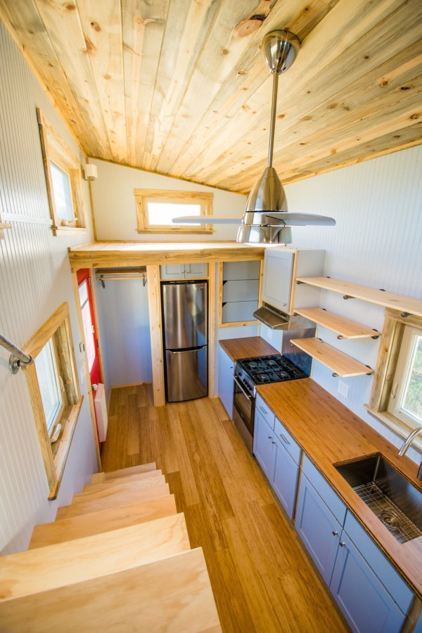 Dennis 24 MitchCraft Tiny House 007