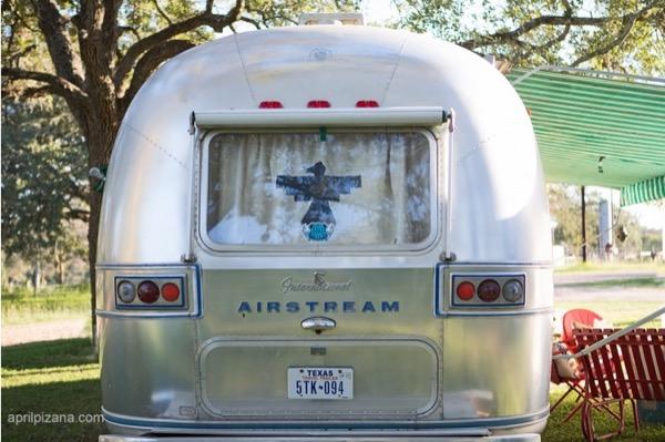 Dierks-Bentley-Vintage-American-Airstream-001