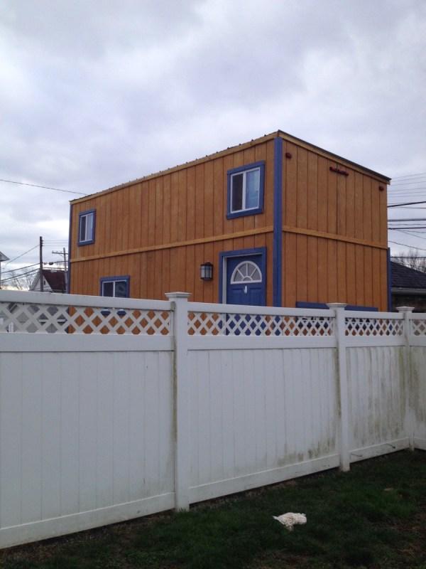 Familys DIY 8k Tiny House on Wheels 0011