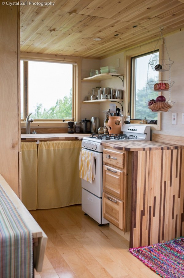 Family's Life in their Beautiful Tiny Home 009