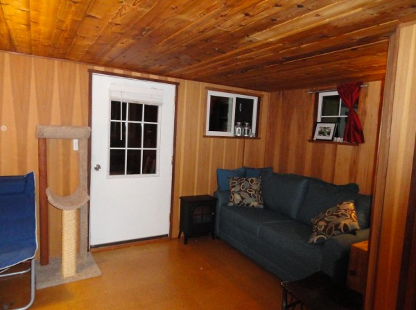 Floating Cottage For Sale in Portland 002