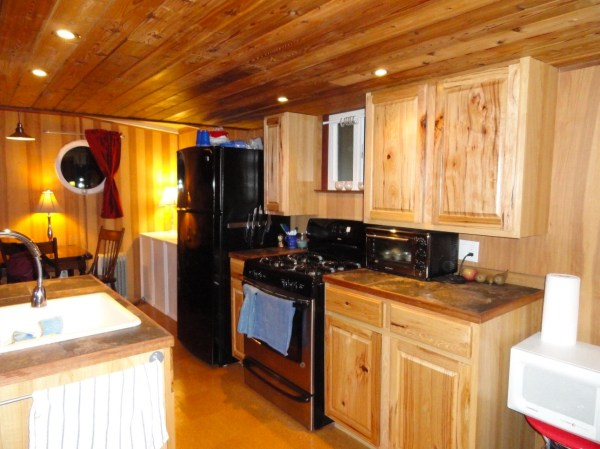 Floating Cottage For Sale in Portland 005