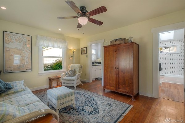 Fully Restored 1920 S Tiny Home In Olympia