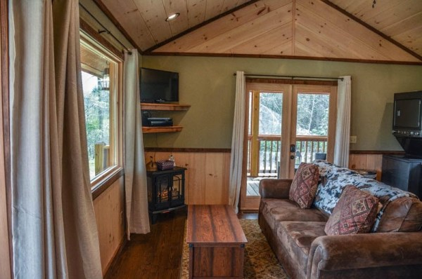 Gorgeous Tiny Cabin in Georgia You Can Stay In 002