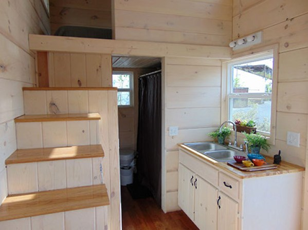 Green living model by incredible tiny homes 25k for Green living homes