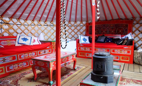 groovy-yurts-mongolian-yurt-inside-exploring-alternatives
